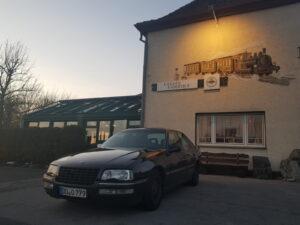 Im Uelder Bahnhof findet der Oldtimer Hobby Club Stammtisch Uelde Sauerland statt.